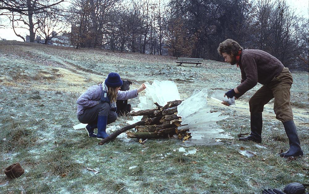 Andy Goldsworthy Digital Catalogue: 1985_160 [making shot/1]